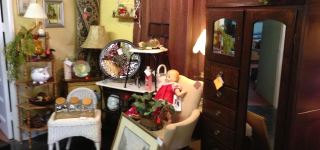 Doll, Desk, Wardrobe